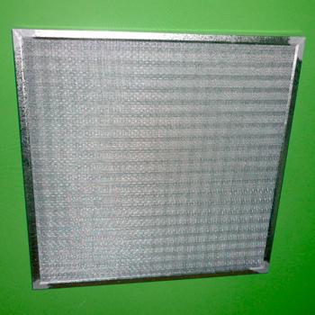Son unidades capaces de filtrar el polvo existente en el ambiente, los materiales en los que son construidos este tipo de filtros provee rigidez. Los filtros pueden ser con marco de aluminio o lamina galvanizada, ambos filtros son diseñados para uso comercial ,industrial y en enfriadores.
